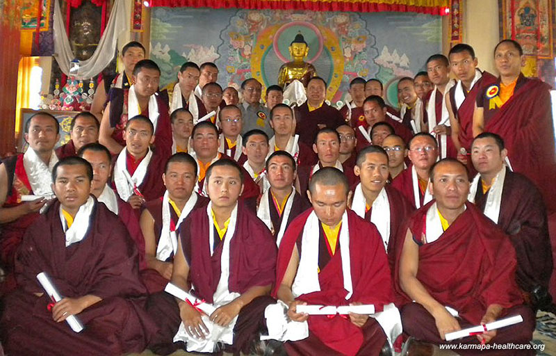 Ceremonie de remise des diplomes au Shri Diwankar Institute à Kalimpong de Kalimpong, en présence de Shamar Rinpoché et du professeur Sempa Dorj